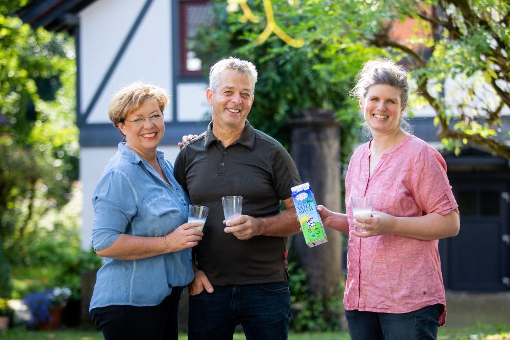 Biomilch Vom Albertshof Im Hof Café